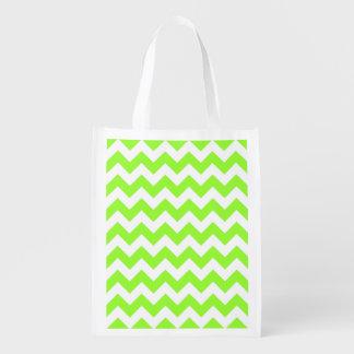 Customizable White Zigzag Pattern