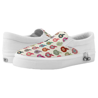 Cute Apples in Retro Style Slip-On Shoes
