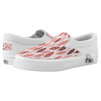 Cute autumn pink and red leaves pattern Slip-On shoes