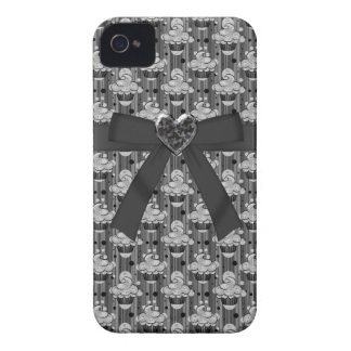 Cute Black Cupcakes, Bow & Jewel Heart iPhone 4 iPhone 4 Case-Mate Cases