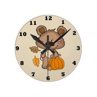 Cute Boppy Bear Autumn Clock