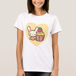 Cute bunny cupcake strawberry pink kawaii T-Shirt