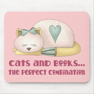 Cute Cats and Books T-shirt Mouse Mat