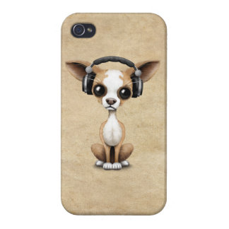 Cute Chihuahua Puppy Dj Wearing Headphones iPhone 4/4S Case
