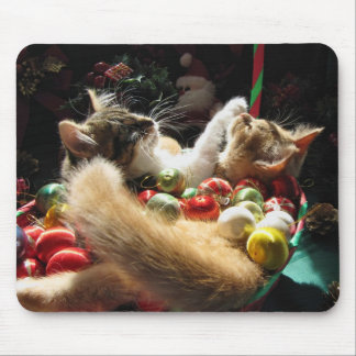 Cute Christmas Kittens in Love on Xmas Eve Mouse Pad