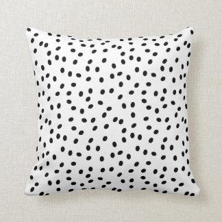 Cute Dots   Throw Pillow Cushions