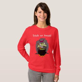Cute fun cartoon of a green Halloween wicked witch T-Shirt