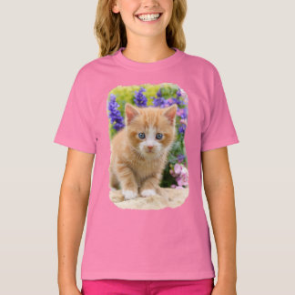 Cute Ginger Cat Kitten in Flowery Garden - girly T-Shirt
