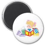 cute girl reading 6 cm round magnet