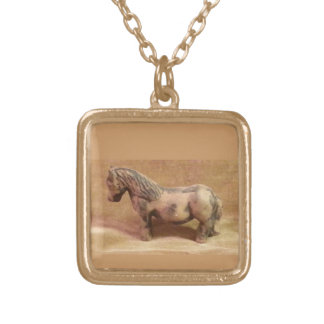 Cute gotlandsruss - neck tied in guldplätering. square pendant necklace