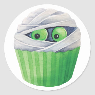 Cute Halloween mummies cupcakes Round Sticker
