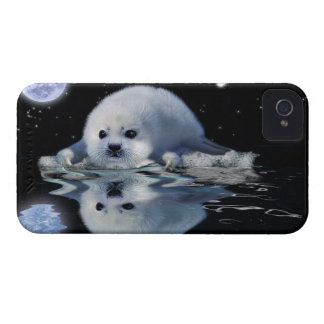 Cute Harp Seal & Ice Floe Animal-lover Case iPhone 4 Covers