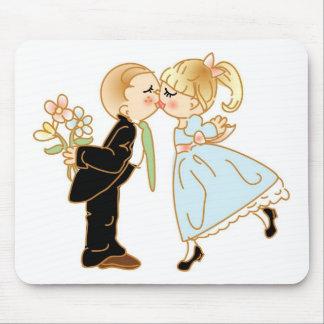 Cute Kissing Couple Mouse Mat