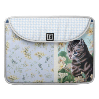 Cute kitten - vintage cat art sleeve for MacBook pro