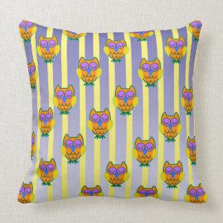 Cute light brown owls seamless pattern cushion