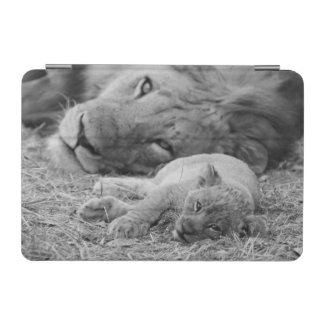 Cute Lion Cub Resting With Father iPad Mini Cover
