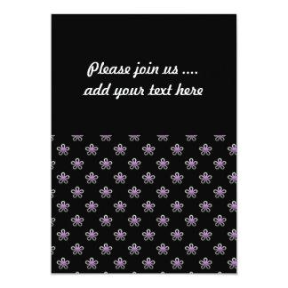 Cute Little Flowers on Black Pattern 13 Cm X 18 Cm Invitation Card