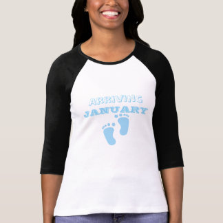 Cute Mom To Be Baby On The Way Announcement Shirt