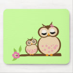 Cute mum and baby owl mouse pad