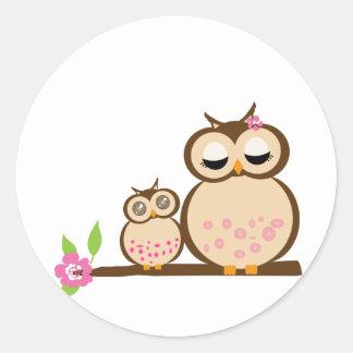 Cute mum and baby owl round stickers