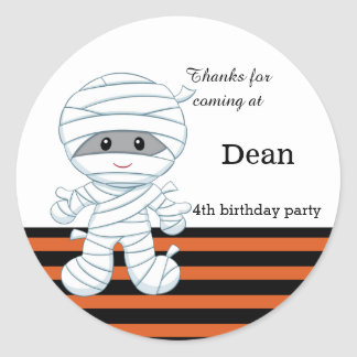 Cute mummy boy classic round sticker