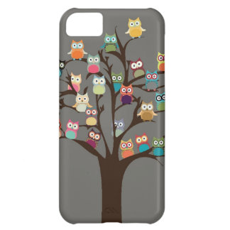 Cute Owl On Tree | Background iPhone 5C Case