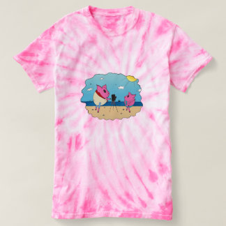 Cute pigs on the beach. tshirt
