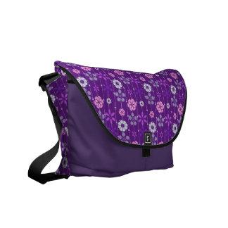 Cute retro look dark geometric floral pattern messenger bag