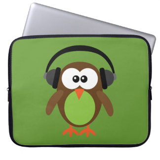 Cute Retro Owl DJ with Headphones Laptop Sleeve