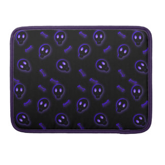 Cute Skull and Crossbones Sleeve For MacBooks