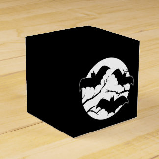Cute Spooky Bats In Moon Halloween Favor Boxes