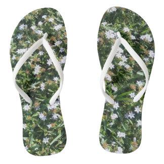Cute White Floral Pattern Flip Flops