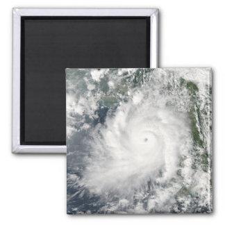 Cyclone Giri moves ashore over Burma Magnet