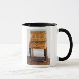 Cylinder front writing desk mug