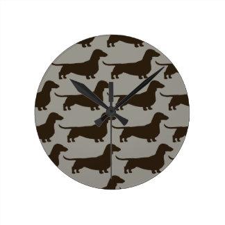 Dachshunds Pattern - Wiener Dog Silhouettes Round Clock