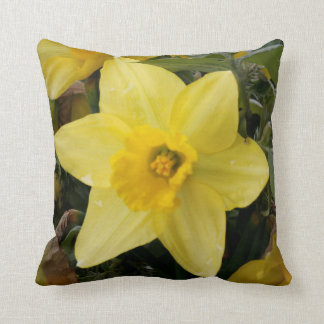 Daffodil Cushion