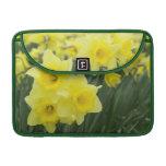 Daffodils RF) MacBook Pro Sleeve