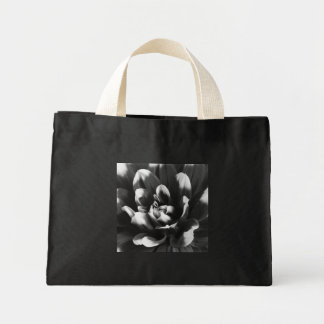 Dahlia Tote Bags