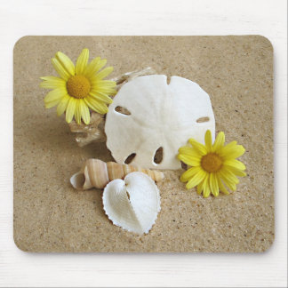 Daisies and Seashells on Beach Mouse Mat