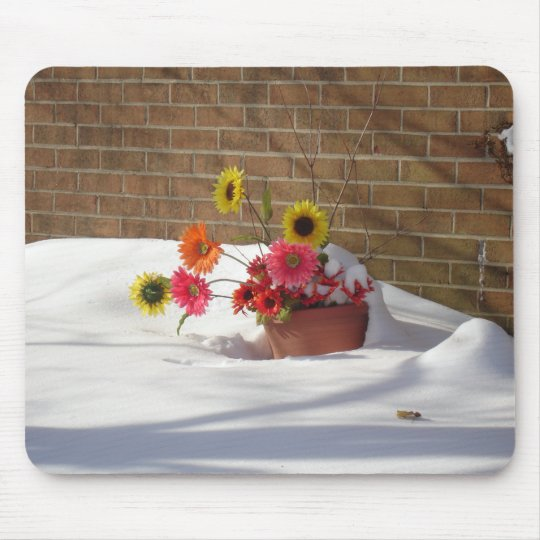 Daisies In The Snow Mouse Mat