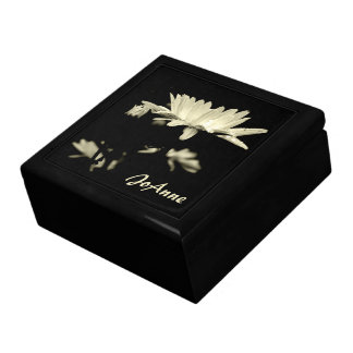 Daisy - Black and White Gift Box
