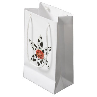 Daisy Cow No Background Gift Bag