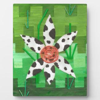Daisy Cow on an Easel Plaque