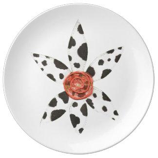 Daisy Cow Porcelain Plate
