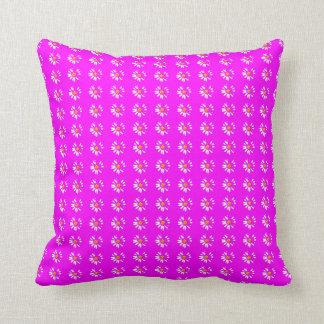 Daisy fushia cushion