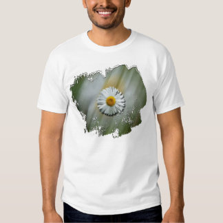 Daisy in a Hurry T-shirts