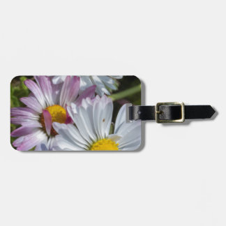 daisy in the garden luggage tag