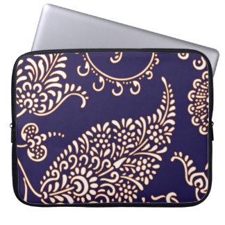 Damask vintage paisley girly floral chic pattern laptop sleeve