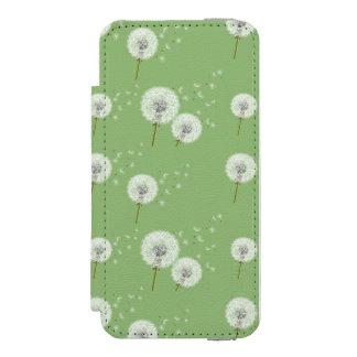 Dandelion Pattern on Green Background Incipio Watson™ iPhone 5 Wallet Case