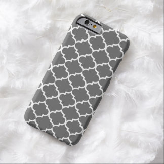 Dark Gray Quatrefoil Trendy Barely There iPhone 6 Case